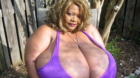 Топ 7 женщин с самой большой грудью в мире
