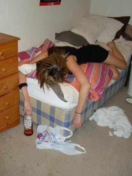 Фото-подборка пьяных девушек часть-2 (+18)