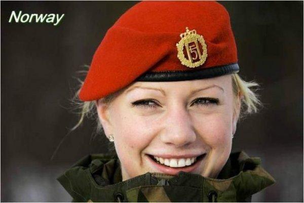 Красивые девушки, служащие в армиях разных стран мира