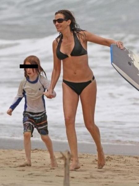 Голливудские звезды, расстроившие фанатов своими пляжными фотографиями