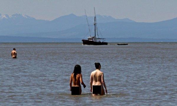Россияне на нудистких пляжах франции фото 377-480