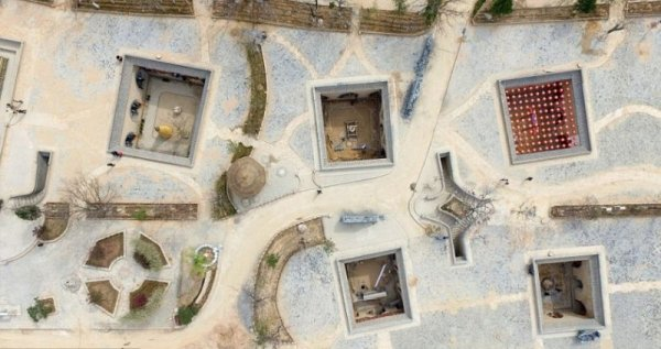 Китайский городок, где жители строят дома в выкопанных ямах