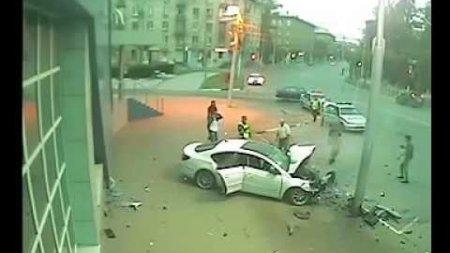 В Рязани 16-летняя девушка на Фольксвагене врезалась в столб