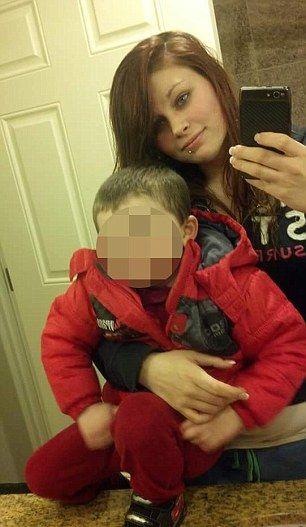 Родители-наркоманы давали своим детям 'сонное зелье' из героина