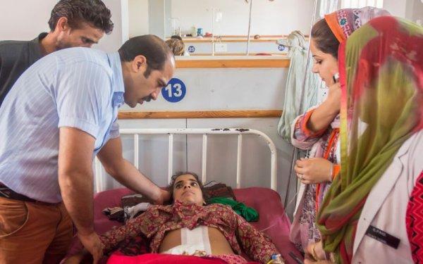Хирурги вырезали у девушки кисту массой 21 кг