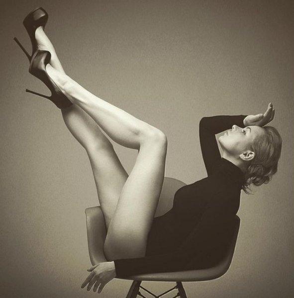 Экс-солистка «Лениграда» Алиса Вокс снялась в пикантной фотосессии