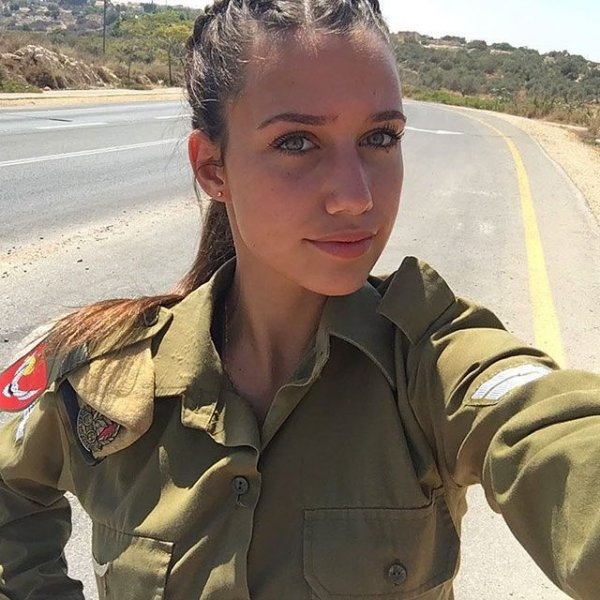 Очаровательные девушки на службе армии Израиля