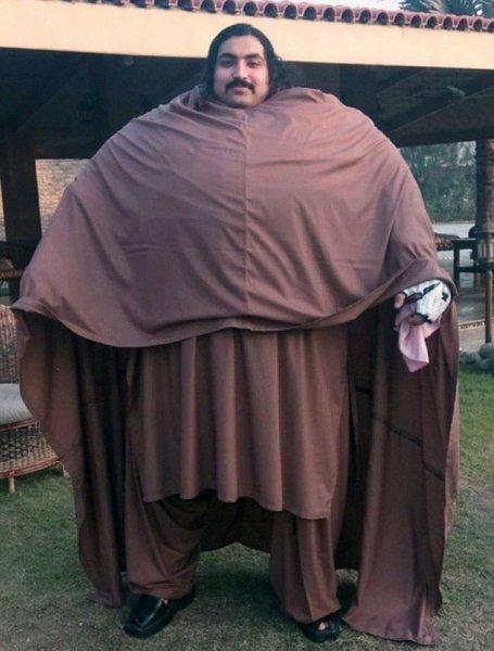 Пакистанский гигант весом 436 кг стремится стать сильнейшим человеком планеты