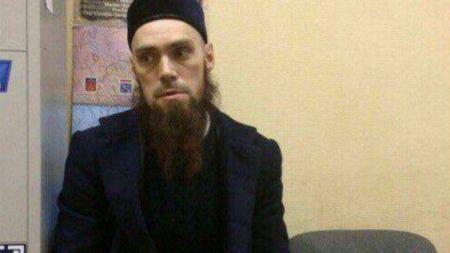 Бородач с фотографий из петербургского метро оказался капитаном ВДВ