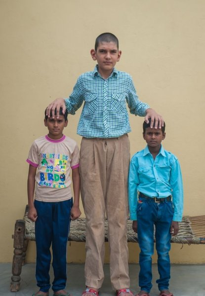 Самый высокий восьмилетний мальчик в мире