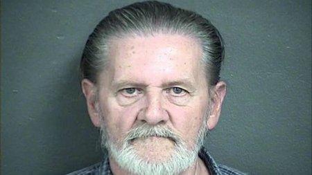 В США вынесли приговор пенсионеру, ограбившему банк, чтобы спастись от жены