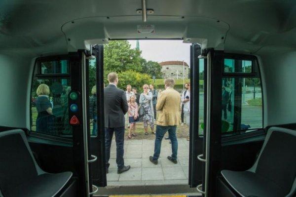 В Талине появились беспилотные автобусы