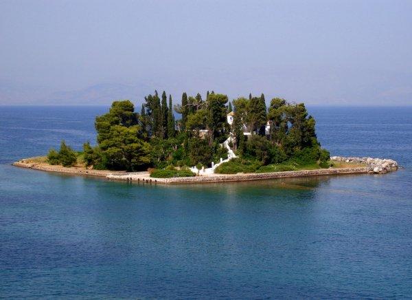 Самые крошечные обитаемые острова мира