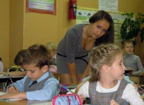 16 симпатичных учительниц