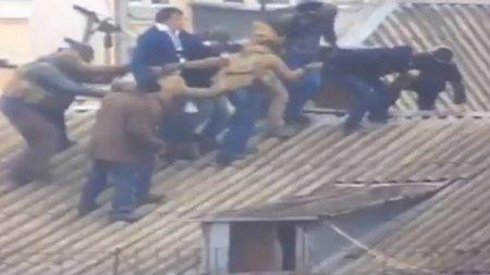 Опубликовано видео «снятия» Саакашвили с крыши