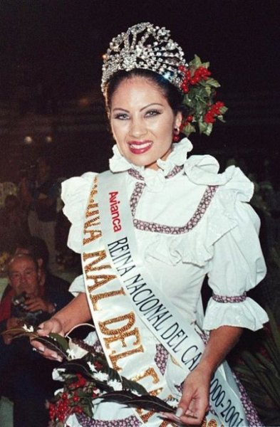 Энджи Валенсия - колумбийская модель и королева красоты с криминальным прошлым