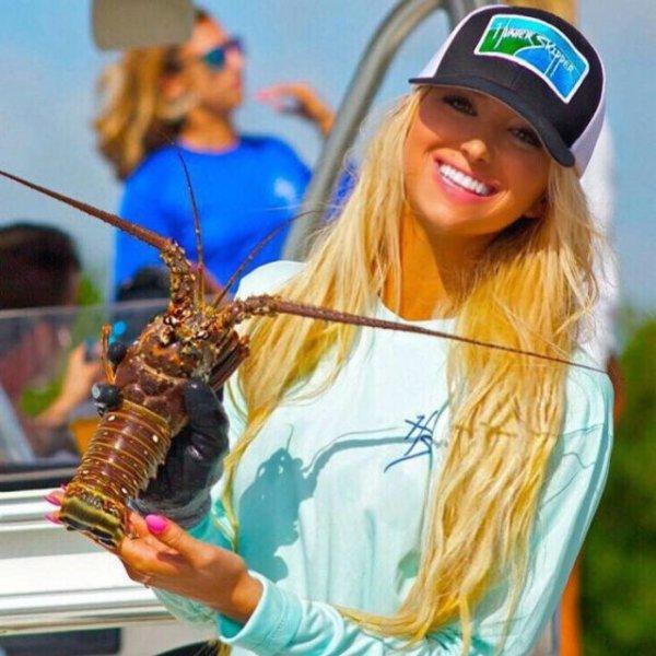 Модель Эмили Ример, всерьез увлекающаяся рыбалкой