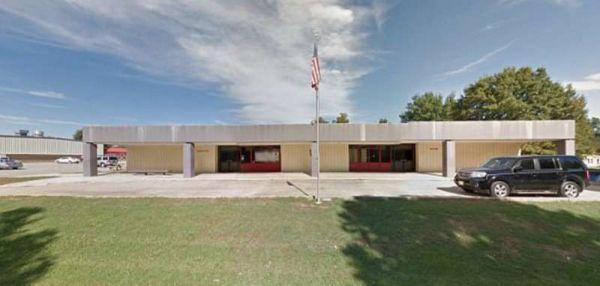 Учительница решила расписаться с 16-летним учеником и ее арестовали