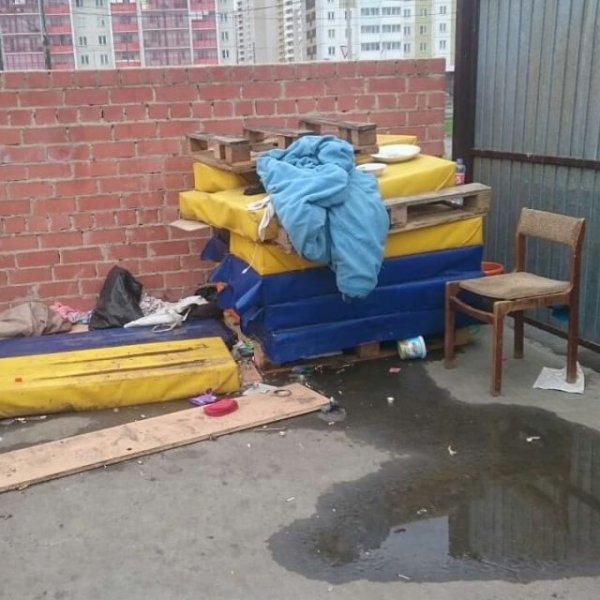 Пара из Челябинска помогла бездомному инвалиду вернуться на родину