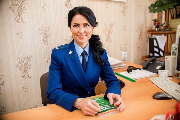 Госпожа прокурор: в Челябинской области работает самый сексуальный прокурор страны