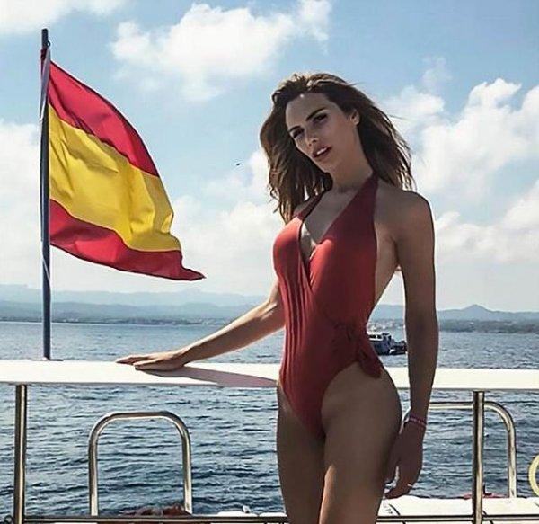 """Испания отправит трансгендера на конкурс """"Мисс Вселенная 2018"""""""