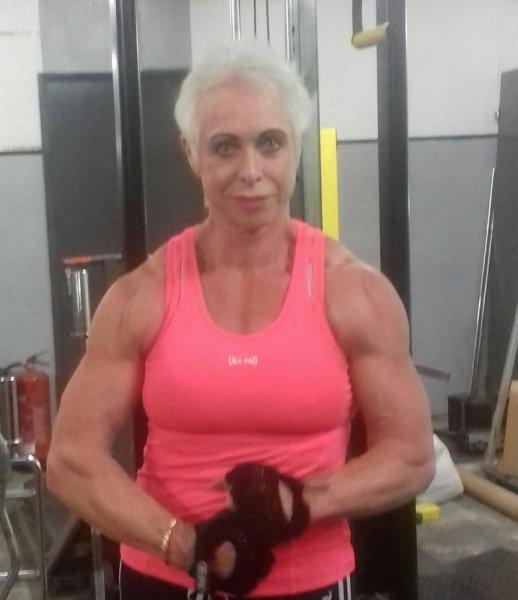 Бабушка-бодибилдер из Великобритании