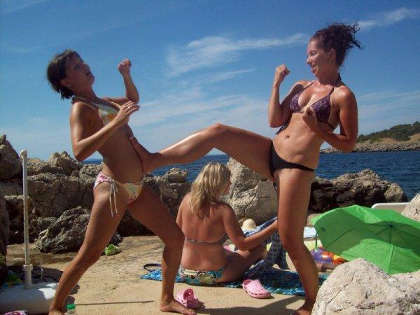 Девушки в бикини