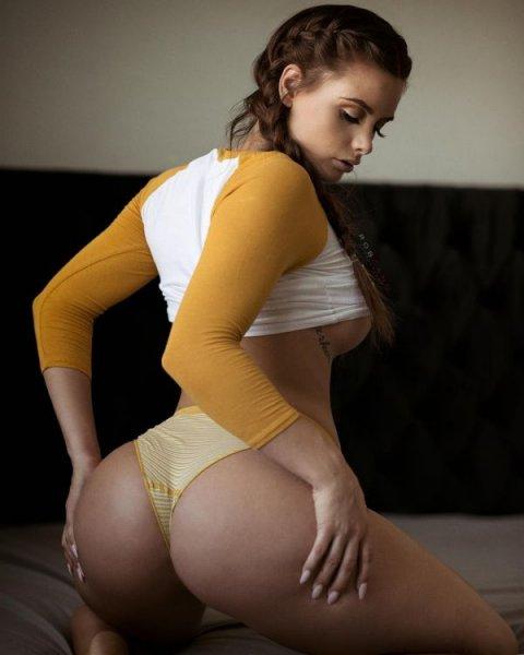 24-летняя американская модель Эллисон Паркер (Allison Parker) на фото из Instagram