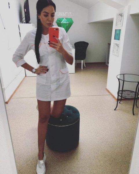 Обворожительные медработницы в белых халатах