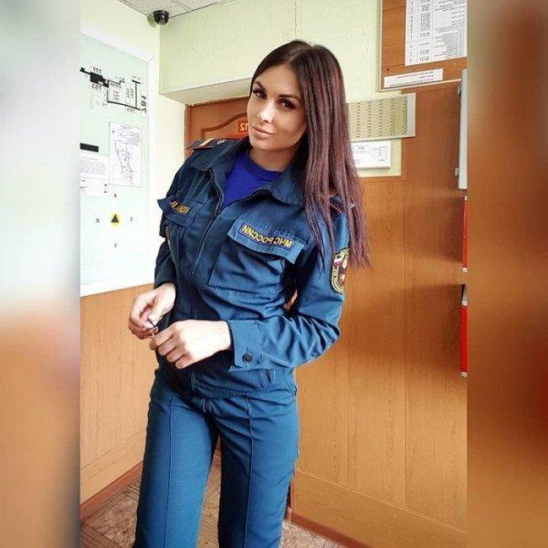 Девушки МЧС России: красота, сила и отвага