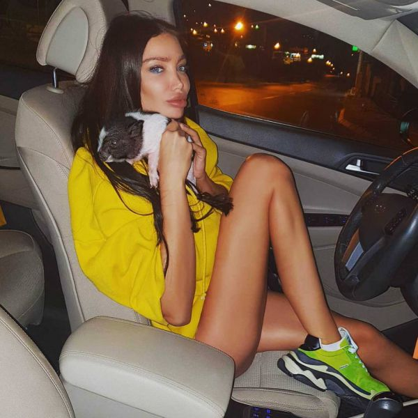 32-летняя хорватская модель, подруга бразильского футболиста Неймара, Сорайя Вучелич (Soraja Vucelic) на фото из Instagram