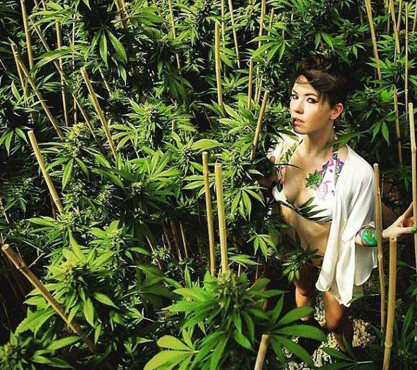 Ученые доказали, что марихуана усиливает женский оргазм