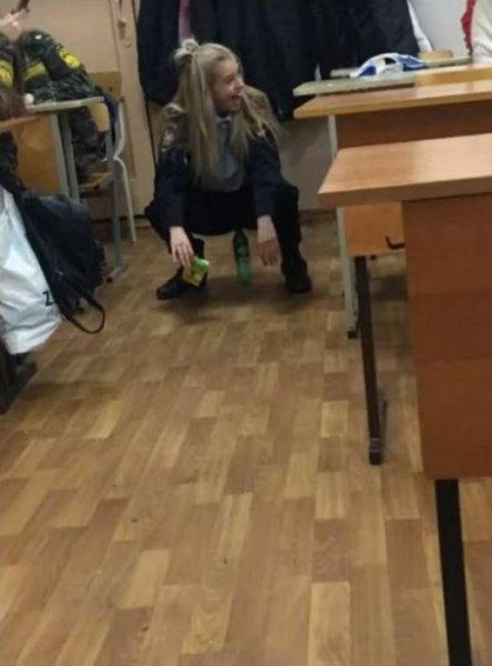 Откровенные фотографии студентов в форме стали причиной скандала в Калуге
