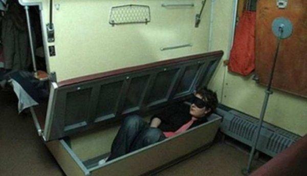 Кошмары плацкартных вагонов:  угарные фото из российских поездов