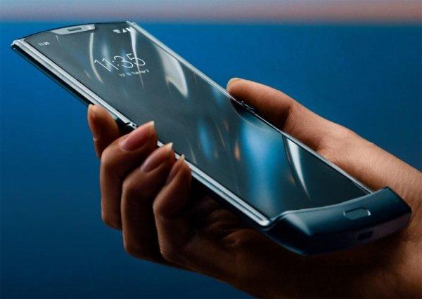Официально представлен раскладной смартфон Motorola Razr