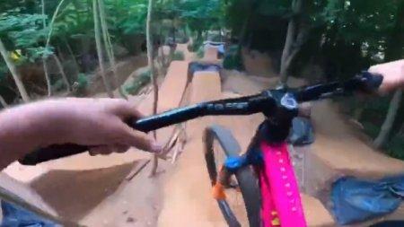 Видео: Трюки на велосипеде и камера с хорошей стабилизацией