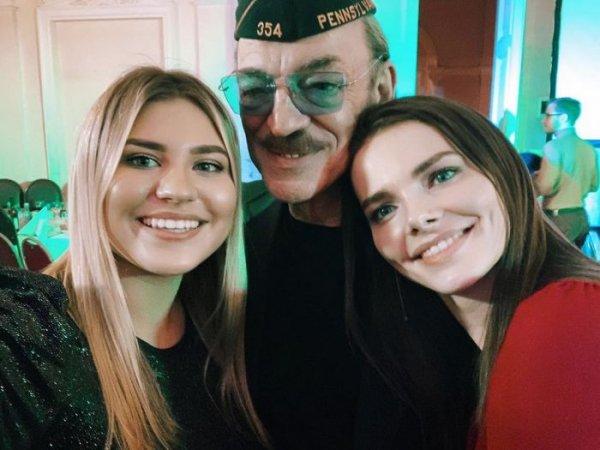 21-летняя внучка Боярского сводит поклонников с ума