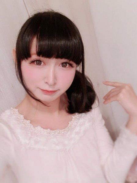 Трудно поверить, что это не японская школьница, а 42-летний отец 2 детей