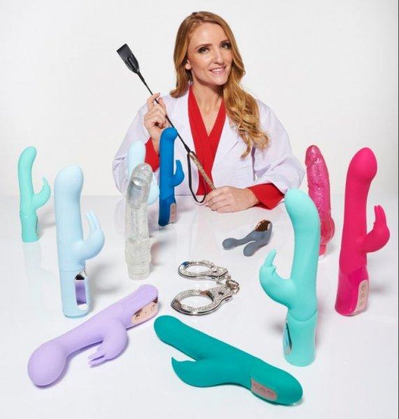 До трех оргазмов за один сеанс испытательница секс-игрушек раскрыла секреты профессии
