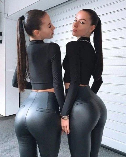 Девушки в коже и латексе