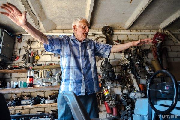 Мастер на все руки: 87-летний дедушка из-под Светлогорска сделал себе электромобиль