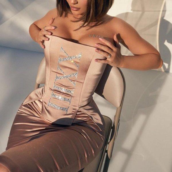 23-летняя американская модель Кайли Дженнер (Kylie Jenner) на снимках в Instagram