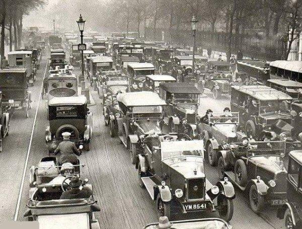 Яркие черно-белые исторические снимки