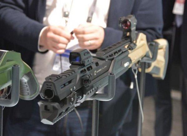 """Оружие для хипстеров: """"Калашников"""" показал новое smart-ружье МР-155 Ultima"""