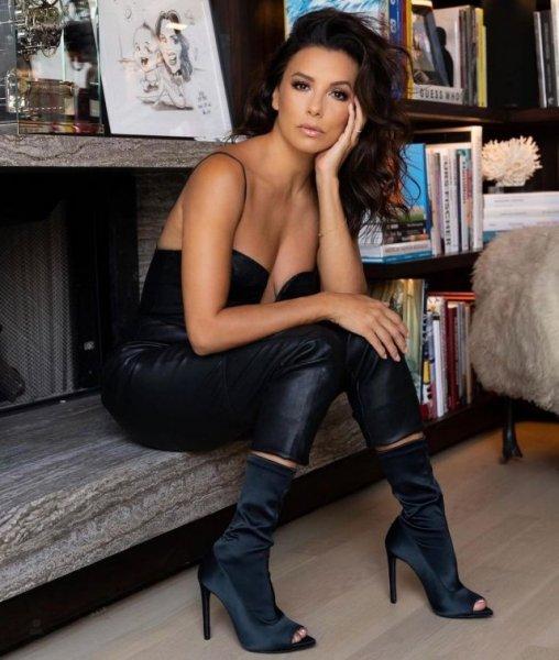 """Ева Лонгория - звезда сериала """"Отчаянные домохозяйки"""", которая отстаивает права женщин"""
