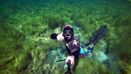 Видео: Нереальная красота таёжного озера