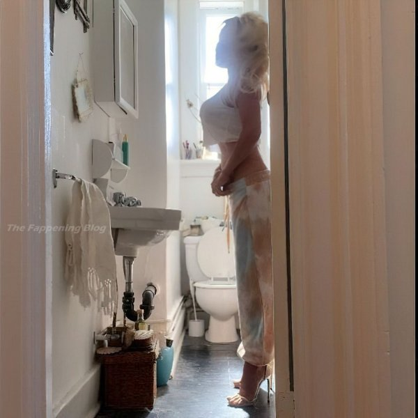 Памела Андерсон снялась в откровенной фотосессии