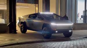 Tesla Cybertruck живьем в Нью-Йорке