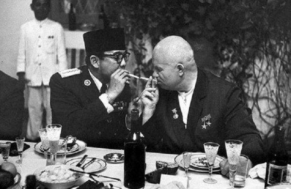 Какие дипломатические подарки делали советские лидеры